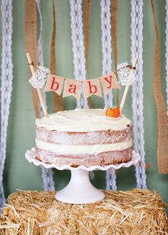 If you or a friend are expecting a little bundle on their way this is the perfect time to throw a Fall themed baby shower. Ive rounded up some of my personal favorite creative ideas for you to try at your next bash. Girl Shower Cake, Baby Shower Cakes, Baby Shower Parties, Baby Shower Themes, Shower Ideas, Shower Party, Simple Baby Shower, Baby Shower Fall, Fall Baby