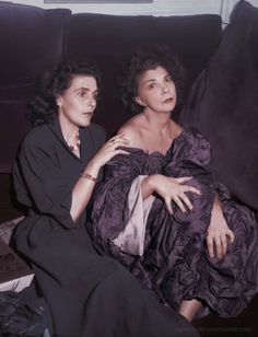 Surrealist painters Leonora Carrington and Leonor Fini, 1952. Photographer: Denise Colomb, colorized by painters-in-color