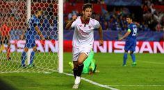 El joven delantero argentino del Atlético de Madrid (23 años), festeja una diana conseguida el pasado curso, en el que estuvo cedido en el Sevilla  | efe