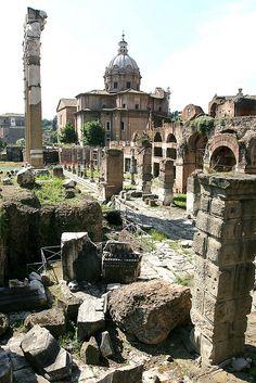 Vestiges de la Rome antique - The ruins of The Forum - Rome, Italy
