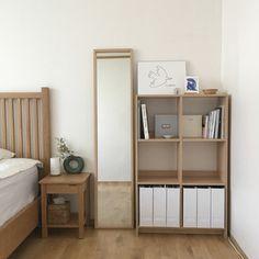 Small Room Design Bedroom, Room Ideas Bedroom, Home Room Design, Bedroom Decor, Small Bedroom Inspiration, Study Room Decor, Minimalist Room, Aesthetic Bedroom, My New Room