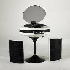 """The 15 most incredible Space Age record players The two iterations of GEC's Weltron """"spaceship"""" turntable were inspired by Stanley Kubrick's 2001: A Space Odyssey. Available in two colours, lift the visor and you'll find a turntable, cassette deck, AM/FM radio, and built-in speakers."""