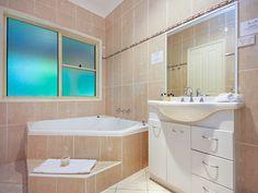 Spa suite bathroom