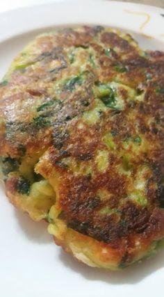 Pancakes με λαχανικά !!!! ~ ΜΑΓΕΙΡΙΚΗ ΚΑΙ ΣΥΝΤΑΓΕΣ 2 Quiche, Side Dishes, Pork, Food And Drink, Nutrition, Meals, Chicken, Vegetables, Breakfast