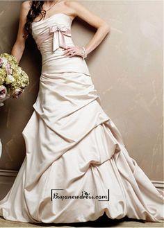A Stunning Satin Strapless Wedding Dress