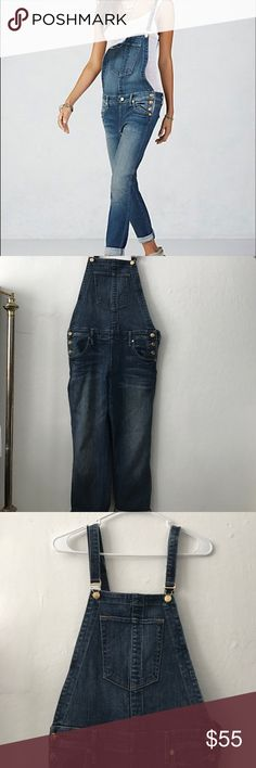 Size S true religion KATIE CROPPED OVERALL Celebrate summer in style with our comfort-chic Katie cropped overall. This modern interpretation of the trend features an updated silhouette and clean denim with light distressing finished with luxe gold hardware detailing. It prob will fit better for sizes 25-29. True Religion Jeans Overalls