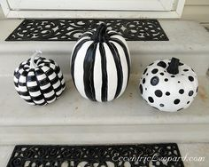The Eccentric Leopard: Black and White Pumpkins - How To
