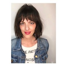 Super cute French bob with a soft fringe done by at one of our LA pop ups ❤️ Bobbed Hairstyles With Fringe, Angled Bob Hairstyles, Fringe Haircut, Pulled Back Hairstyles, Haircuts With Bangs, Cool Hairstyles, Bob Haircuts, Short Hairstyle, French Bob