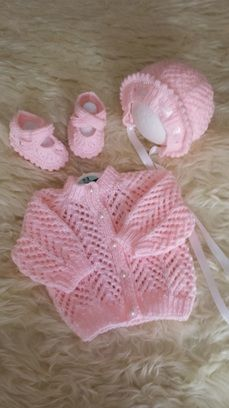 New knitting patterns free baby cardigan newborns sweaters ideas Crochet Throw Pattern, Baby Cardigan Knitting Pattern Free, Baby Sweater Patterns, Knitted Baby Cardigan, Knit Baby Sweaters, Knitted Baby Clothes, Baby Patterns, Crochet Baby, Knitted Afghans