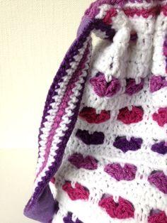 little heart bag - free crochet pattern (translates from Dutch)