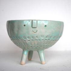 Image of Tripod bowl //3  I just love these ceramics by Stella Baggott