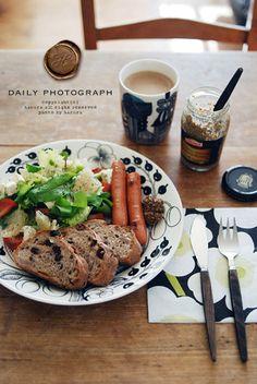 代表的なホームページの「*CAFE DE MOKA*PLUS」は、クオリティ高い料理と可愛らしい息子さんの写真が多くアップされています!  料理の提供の仕方、レシピ、素材・・など参考になり思わず真似したくなります。