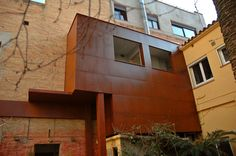 Fachada interior tratada con lineaCOR. --- Interior facade treated with lineaCOR.