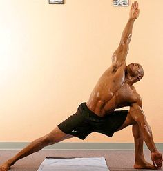 Tony Parrish is a former American football safety in the NFL. In 2006 he was introduced to yoga & it became a staple of his core training regime .... #broga #yogaformen #mendoyoga #yogadudes #yogamen #celebrityyoga #yoga