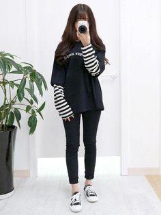 Really like korean street fashion. Really like korean street fashion. Really like korean street fashion. Really like korean street fashion. Korean Fashion Kpop, Korean Fashion Winter, Korean Fashion Trends, Asian Fashion, Look Fashion, Fashion Models, Korea Fashion, Korean Fashion School, Fashion Spring