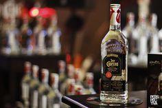 "Ya disponible en Guatemala ""José Cuervo The Rolling Stones Tour Pick"" Tequila Jose Cuervo, Rolling Stones Tour, Sauce Bottle, Rolls, Food, Jose Cuervo, Meal, Bread Rolls, Essen"