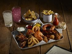 Sharing dishes are ever popular in the casual dining scene. Serve on a tray for accessible dishes for all at the table Sharing Platters, Food Presentation, Chicken Wings, Catering, Dishes, Dining, Breakfast, Trays, Enamel