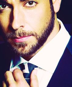 Because I realize Jordan Knight isn't actually an actor.... I give you... Zachary Levi. DAMN!!!