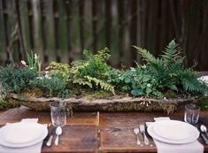Picture Of dreamy woodland wedding table decor ideas  12