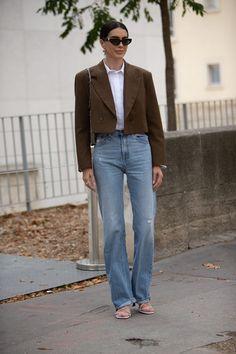 Paris Street Style Stars Are Making A Case For Mismatching Prints+ street marca street brasileira streetwear brasil streetwear nacional machomod Denim Fashion, Star Fashion, Paris Fashion, Fashion Outfits, India Fashion, Japan Fashion, Swag Style, Style Casual, Printemps Street Style