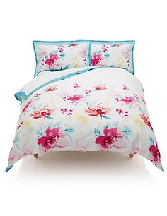 Marks and Spencer - 'Floral Bloom' Bed set! Bedding And Curtain Sets, Best Bedding Sets, West Elm Bedding, Linen Bedding, Bed Linen, Urban Outfitters Tapestry, Best Thread Count, Luxury Bedding, Modern Bedding