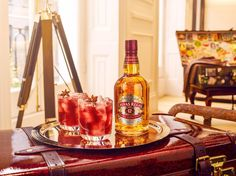 2 cocktails bottle 021 02 w2 | Chivas Regal 12 / Globetrotter