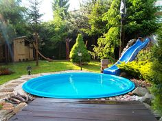 Cozy Stock Tank Swimming Pool Designs Ideas for Your Backyard - Pool Ideas 2019 Backyard Pool Landscaping, Small Backyard Pools, Small Pools, Outdoor Pool, Backyard Ideas, Landscaping Ideas, Outdoor Spaces, Backyard Projects, Fun Projects