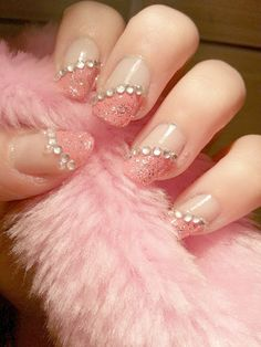 Pretty nails... Ashlee you could do your's and kari's nails like this in purple for the Sisters.
