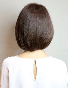 大人可愛い暗髪の前下がりボブ(HI-327) | ヘアカタログ・髪型・ヘアスタイル|AFLOAT(アフロート)表参道・銀座・名古屋の美容室・美容院