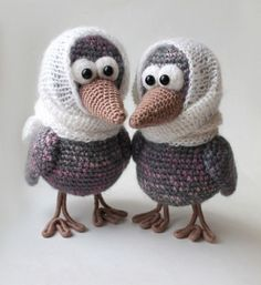Download Curious Crow Amigurumi Pattern (FREE)