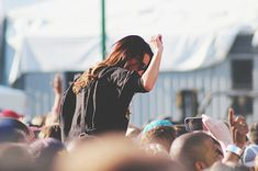 Annunciati i cantanti che si esibiranno al concertone del 1 maggio di #Taranto. 🎶  Noi ci saremo, e tu? Leggi la #notizia premendo sulla foto.  #NotiziediPuglia #Pugliacom #WeAreinPuglia Cittadini e Lavoratori Liberi e Pensanti Uno Maggio a Colori Michele Riondino Roy Paci Diodato