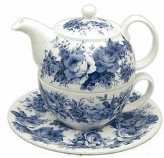 Roy Kirkham Blue English Chintz Bone China Tea for One Tea For One, My Cup Of Tea, Blue And White China, Blue China, China China, Cuppa Tea, Teapots And Cups, Tea Service, Chocolate Pots