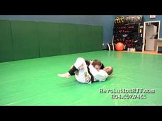 Unconventional Side Control Escapes: a BJJ Tutorial Jiu Jutsu, Jiu Jitsu Techniques, Martial Arts Workout, Brazilian Jiu Jitsu, Judo, Kickboxing, Mma, Fitness Motivation, Exercise
