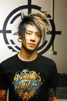 Spiky Punk Hairstyle With Black & Blonde Color ❥❥❥ http://bestpickr.com/scene-haircuts-for-guys