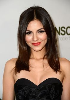Want to see what perfect looks like? Allow us to present the makeup Victoria Justice wore last night!