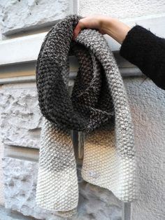Most up-to-date Photos Crochet shawl ombre Ideas Mélimélo: XXL Schal mit Farbverlauf Poncho Knitting Patterns, Knitting Yarn, Crochet Patterns, Intarsia Knitting, Knitted Shawls, Crochet Shawl, Knit Crochet, Terra Nova, Stockinette