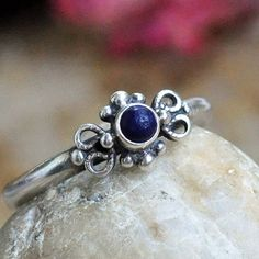 gorgeous vintage sterling silver ring...  Size by CoolVintage, $32.50