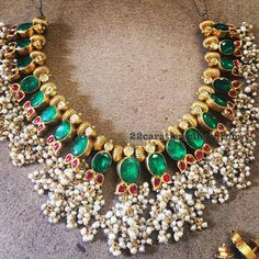 Emerald Set with Round Pearls Bunches - Jewellery Designs