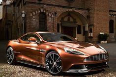 Aston-Martin-Vanquish-2013