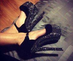 Shoes. Follow me in my TWITTER: @Nayviess Garcia :D @nayviess garcia