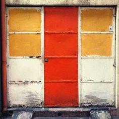 Door orange, @dibella via Instagram