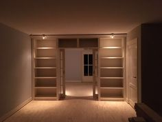 Mooie afscheiding tussen keuken en woonkamer. Het alternatief op de ...