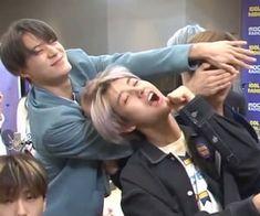 Nct 127, Funny Poses, Huang Renjun, Meme Pictures, Meme Faces, Kpop Boy, Taeyong, K Idols, Jaehyun