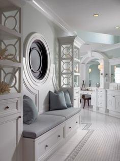 White bathroon