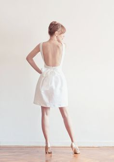 Open back Linen Dress perfect for rehearsal dinner or courthouse wedding.