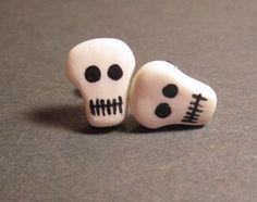 Skull Studs Glow In The Dark Polymer Clay Surgical Steel adcdmc
