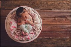 What you need to get started in newborn photography. Props, tips, workflow and more. Click the link to learn more about being an newborn photographer!