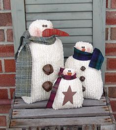 Country snowmen pattern 3 sizes, primitive country snowmen, snowman pattern, chenille snowman, Trio of snowmen pattern 3 snowmen one great by CindysHomespun Primitive Christmas Crafts, Primitive Snowmen, Snowman Crafts, Christmas Sewing, Xmas Crafts, Christmas Snowman, Diy Christmas Gifts, Handmade Christmas, Christmas Decorations
