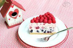 Cheesecake with raspberries and blueberries - Cheesecake cu zmeura si afine