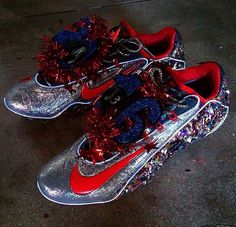 4a268c97eb9 Odell s last pair of cleats for the session. Those are a dope ass pair of  cleats. Odell Beckham Jr.